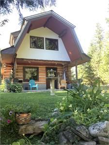 Log Cottage on Thunderbird Ranch